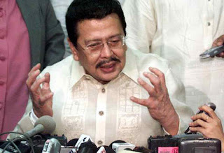 Joseph Estrada nixes emergency powers for Duterte