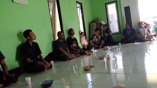 Warga Komplek Amy Permai 2 Desa Pal 9 Adakan Rapat Dalam Rangka Persiapan Untuk Memeriahkan Hari Kemerdekaan RI