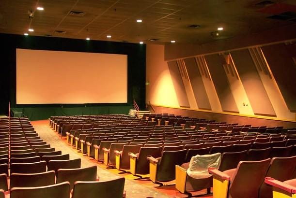 Movie Theaters In Virginia Beach