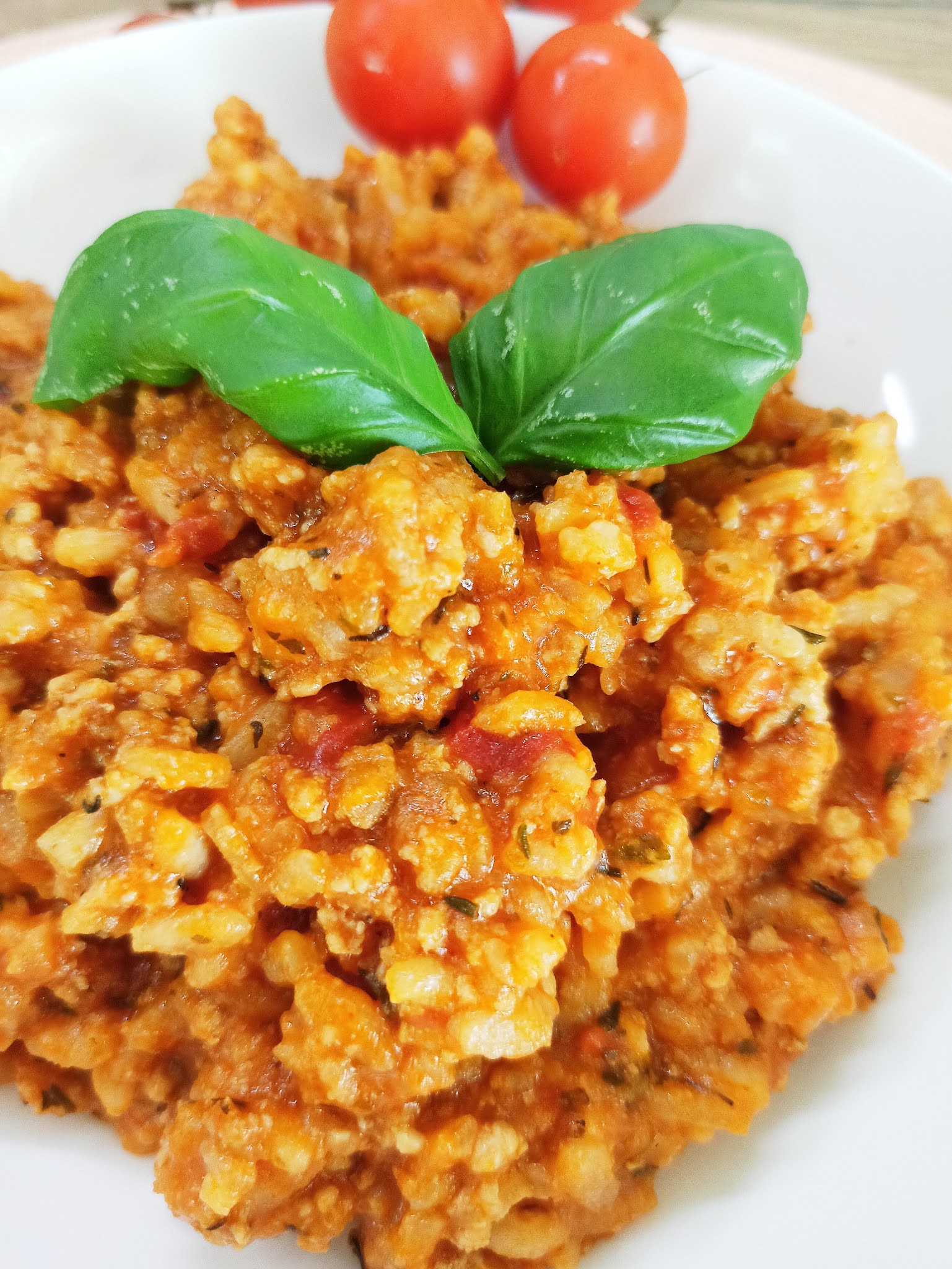 Pomidorowe risotto z mięsem mielonym