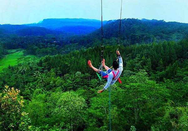 tempat wisata populer di Jogja Ayunan Langit Watujaran