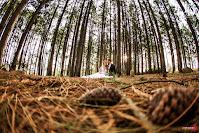 ensaio pre wedding de um casal de gremistas realizado no parque gabriel knijinik na zona sul de porto alegre estilo elopement wedding com organização de fernanda dutra eventos cerimonialista em porto alegre casamento em portugal