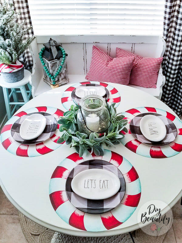 Christmas breakfast nook with decorated table