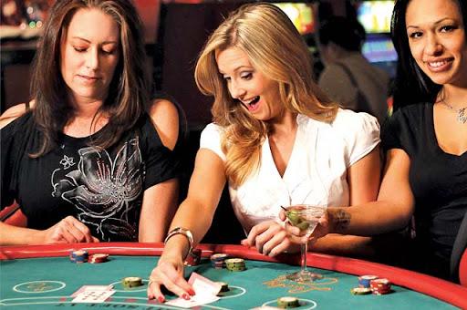 Agen BandarQ Online Poker Review