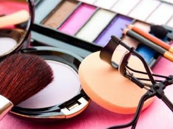 Cari Brand Kosmetik Terbaik dan Aman? Pilih Produk Lumecolors!