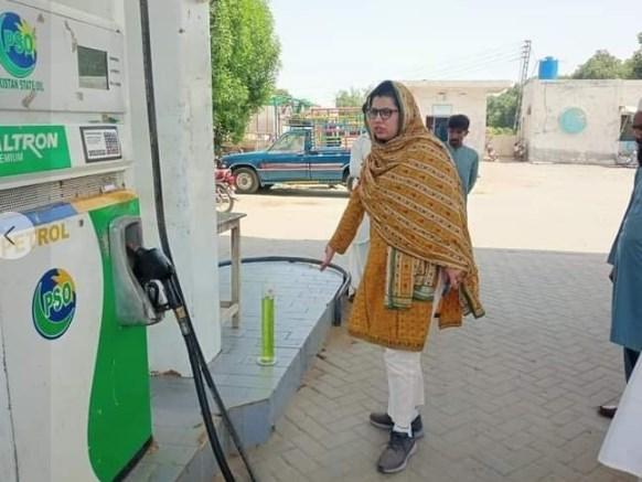 Assistant Commissioner Amna Maududi's petrol pumps raided, one petrol pump cell, eight pumps fined millions : Lodhran