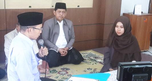 Subhanallah, Gubernur NTB Tuntun Gadis Kristen Bersyahadat Di Ponpes Al Munawwir Yogyakarta
