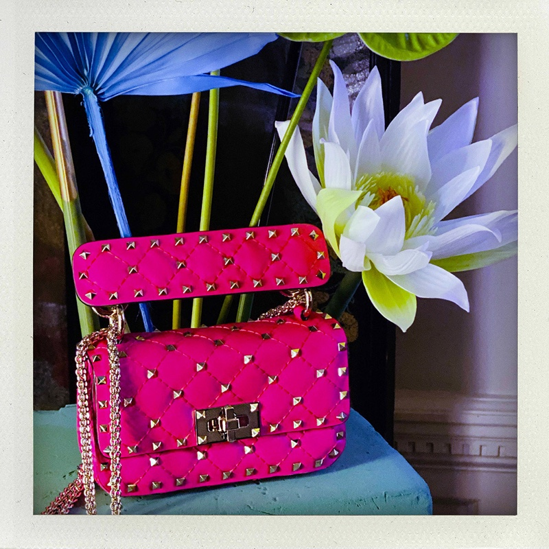 Valentino highlights Fluo – Rockstud Spike handbag