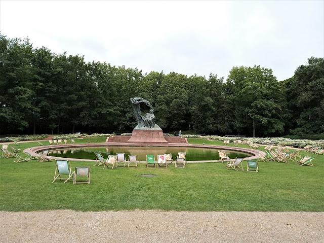 Statua di Chopin nel Parco Reale Łazienki