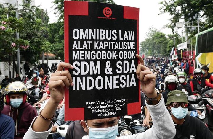 Pakar:  Mengubah Naskah UU Ciptaker Itu Langgar Hukum Tata Negara