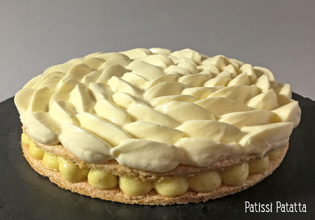 recette de gâteau au 2 citrons, gâteau citron vert et citron jaune, dacquoise amandes et pistaches, crème au citron vert, crème au citron jaune, pâtisserie, dessert frais, gâteau peu sucré, gâteau au citron, patissi-patatta.