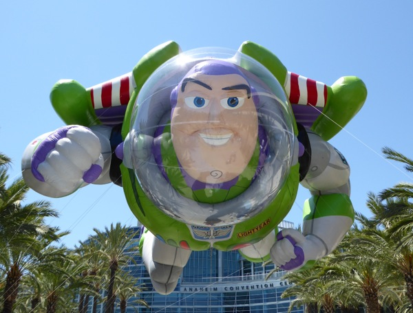 Giant Buzz Lightyear inflatable balloon