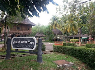 http://www.teluklove.com/2017/05/pesona-keindahan-wisata-museum-timor.html