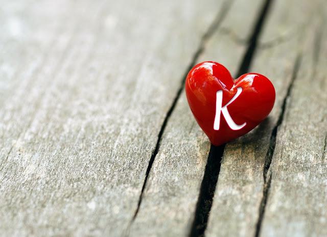 صور حرف k في قلب