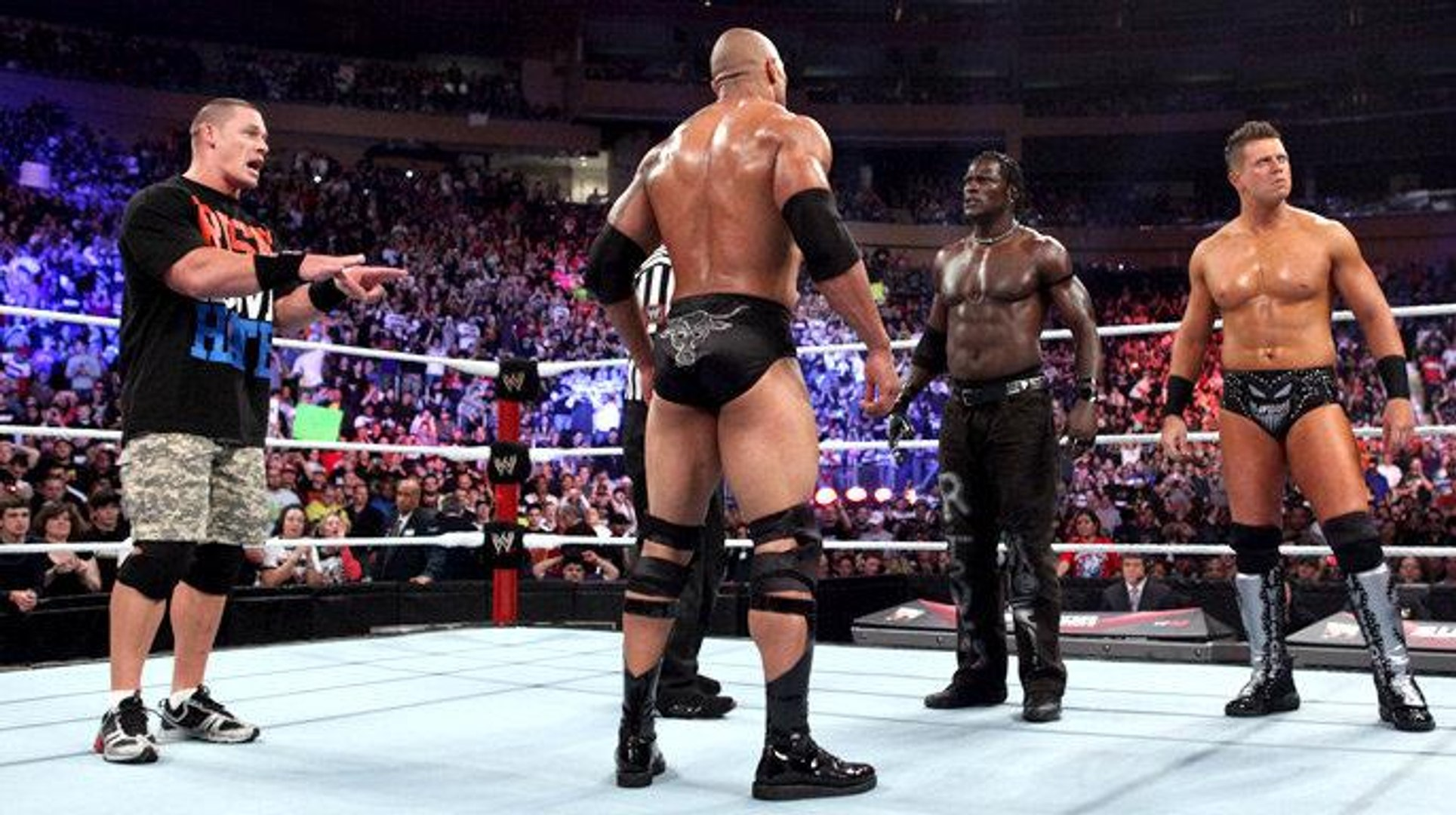 R-Truth revela como foi lutar contra The Rock e John Cena