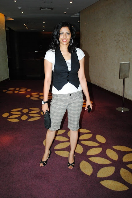 Kollywood Actress Ishanthi Evani Throwback Pics Actress Trend
