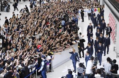 Sambutan warga Jepang saat kepulangan Team Jepang