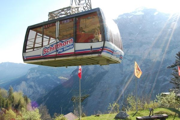 Cable car ke Shilthorn