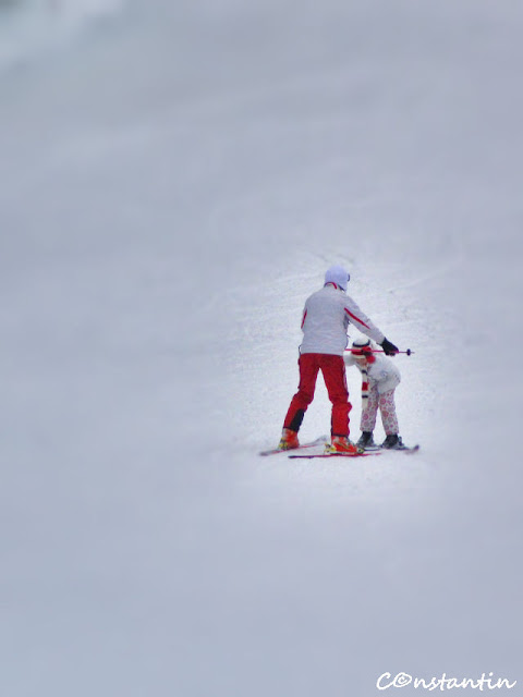 La Iasi, copii învatã tainele schiului - blog FOTO-IDEEA