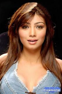 عائشة تاكيا (Ayesha Takia)، ممثلة هندية