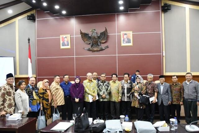 Pimpinan dan Anggota Komisi Kajian Ketatanegaraan MPR Disahkan