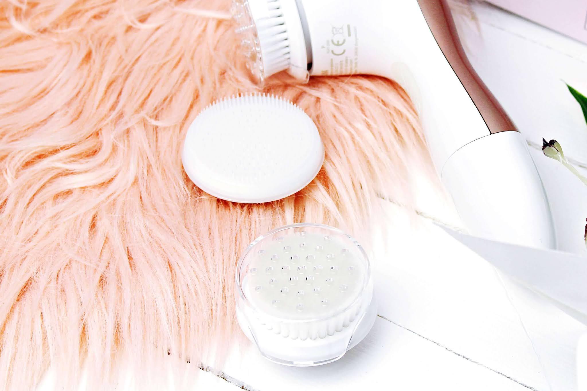 Isana szczoteczka do oczyszczania twarzy