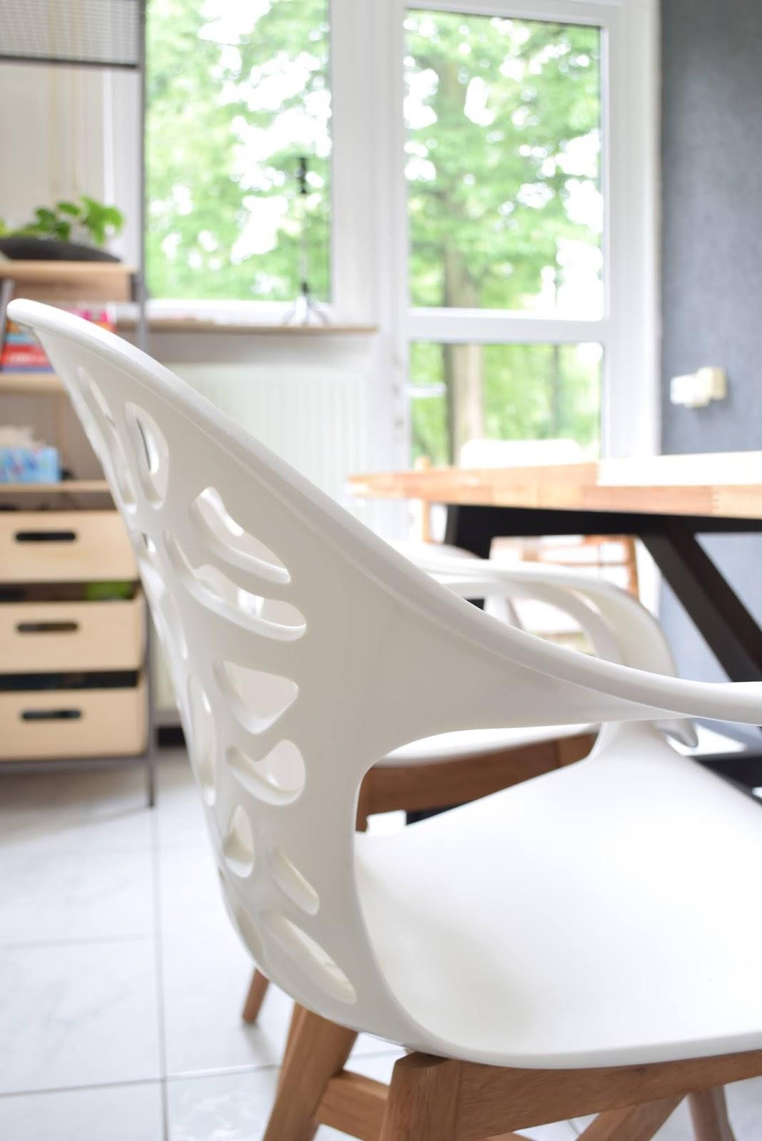 Nowe krzesła do jadalni