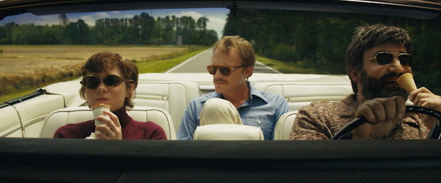 Beth na estrada com Frank e Walid