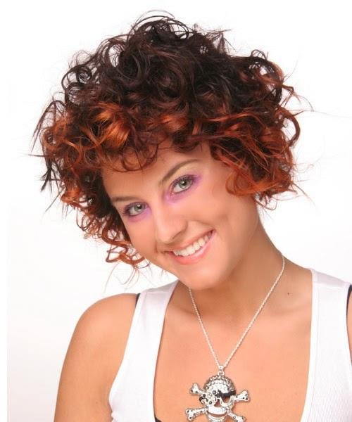 Peinados Y Tendencias De Moda Cortes De Pelo Corto Rizado Otono 2014 - Pelo-corto-rizado-mujer