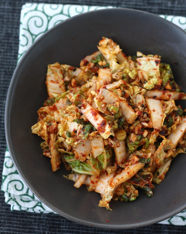Spicy Korean Napa Cabbage Salad recipe by SeasonWithSpice.com