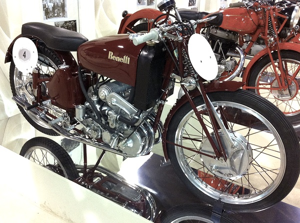 Picture Motorcycle: BENELLI FOUR-CYLINDER RACERS