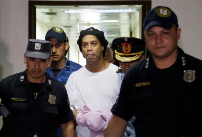 Ronaldinho đón tin cực vui: Đã được ra tù, chi 37 tỷ đồng