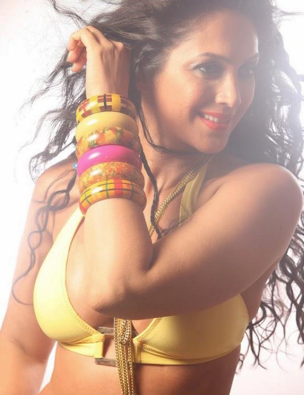 Kalpana Pandit Hot Photos HD Wallpaper Sexy picts