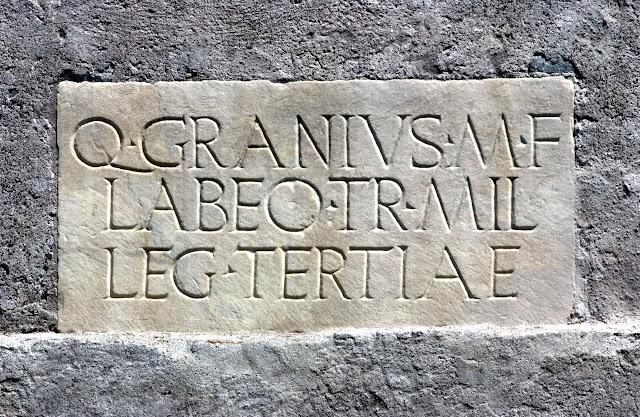 epigrafe-romana