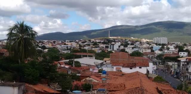 Bandido armado assalta agência de passagens da viação Novo Horizonte em Brumado