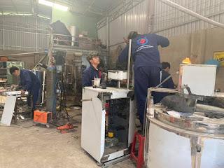 Máy đóng gói gia vị tự động 2 trong 1 được gia công tại xưởng Vĩnh Phát