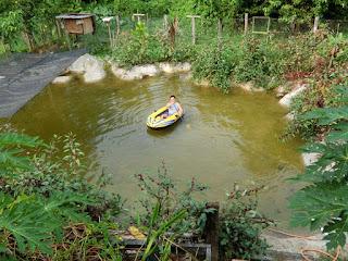 Beriadah row row our boat dengan Inflatable boat murah dari Lazada....