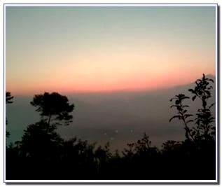 Sunrise di Gunung Putri Bandung