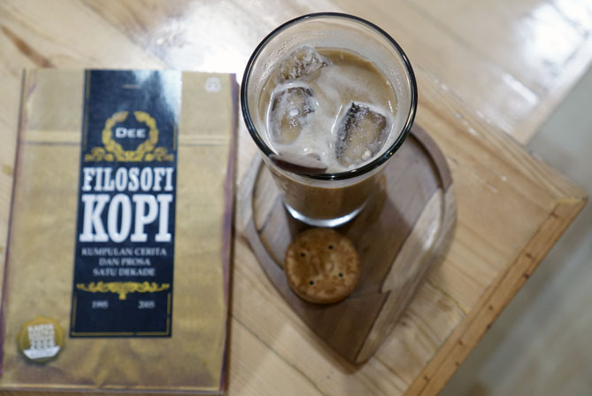 Es Kopi Susu Mellifloss di Paperplane Coffee Jogja
