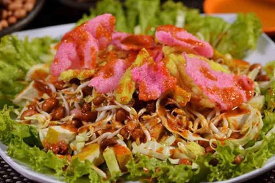 makanan khas betawi jakarta Asinan Betawi