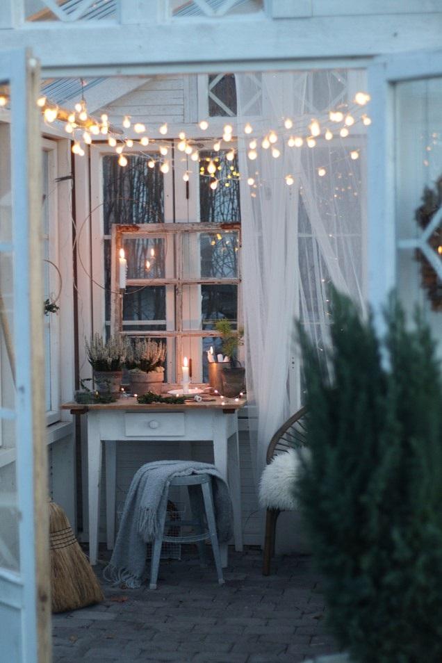 kesähuoneen talvi, talvinen kasvihuone, joulu, jouluvalot