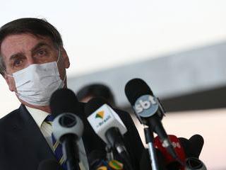Covid-19: Bolsonaro quer cloroquina para pacientes com sintomas leves