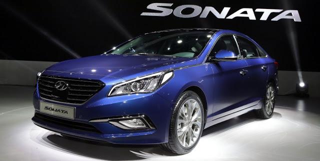 Hyundai Sonata 2015 có phần nổi bật về kiểu dáng khi so sánh với Camry 2015