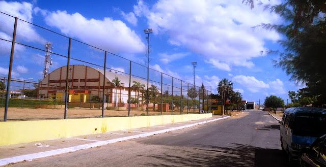 Resultado de imagem para JOGADORES NO GINASIO POLIESPORTIVO CARNAUBAIS