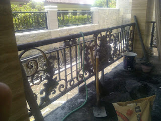 Model Railing Balkon Besi Tempa Minimalis