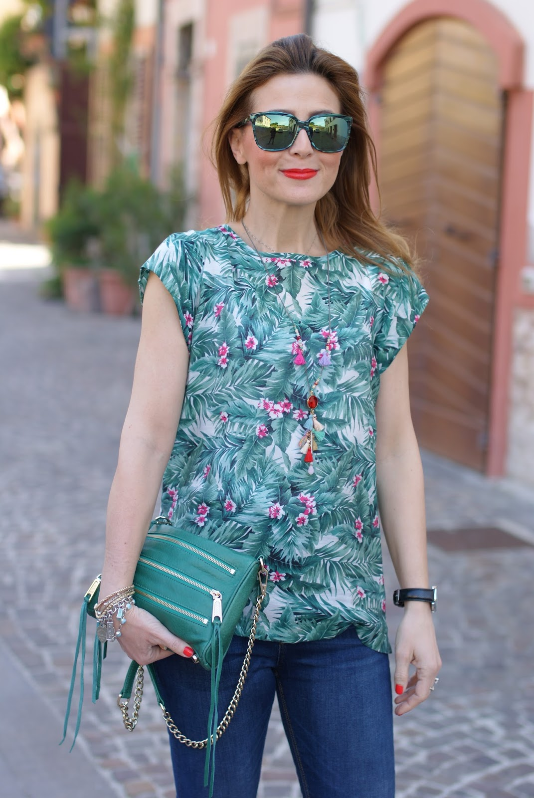 Rebecca Minkoff bag and Mismash Askani t-shirt on Fashion and Cookies fashion blog, fashion blogger style