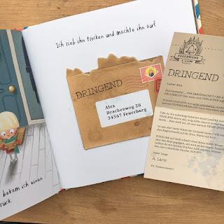 """""""Drachenpost"""" von Emma Yarlett, erschienen im Thienemann Verlag, ist ein 32-seitiges Bilderbuch für Kinder ab 4 Jahren mit 5 echten Briefen zum Herausnehmen. Rezension auf Kinderbuchblog Familienbücherei"""