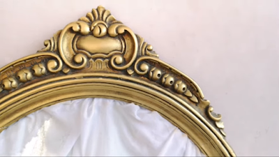 إطار مرآة خشب بعد التعتيق بلون ذهبي مائي