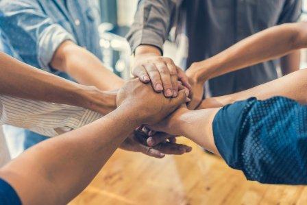 Teamwork (Pengertian, Aspek, Jenis, Komponen dan Perkembangan)