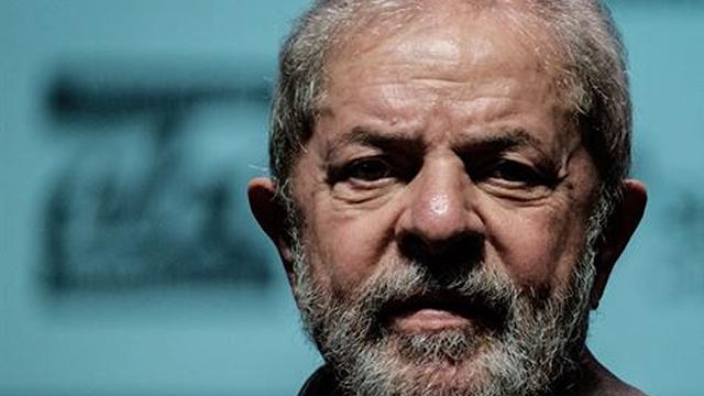 Lula informa ao comando do PT que não será presidente do partido
